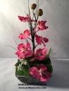 corbeille-vannerie-grise-fleurs-artificielles