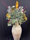 composition-florale-artificielles-poterie-naturelle